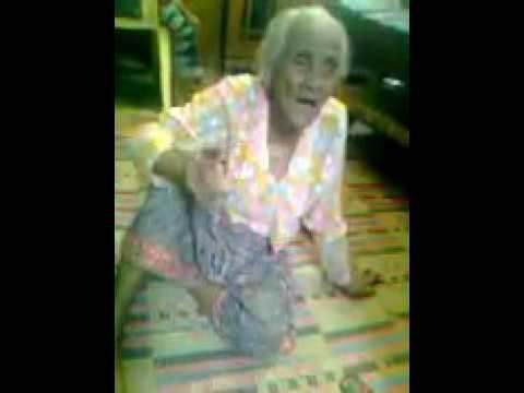 HEBOOOH.!!   SAMBIL NYANYI INDONESIA RAYA ASLI SEORANG WANITA TUA  MENGATAKAN INDONESIA MILIK ISLAM
