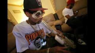 Wiz Khalifa - Medicated - bass boosted NO distortion