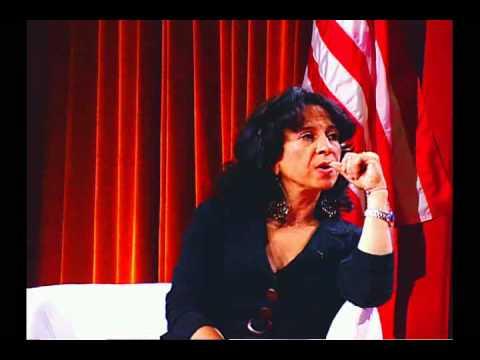 Latinas Brunch panelists discuss balancing work an...
