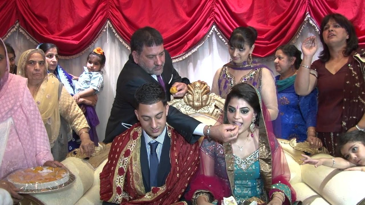 Desi new married girl cleavage show - 3 part 4
