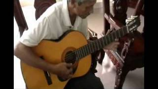 THU VANG ( Cung Tien ) Hoa tau Guitar