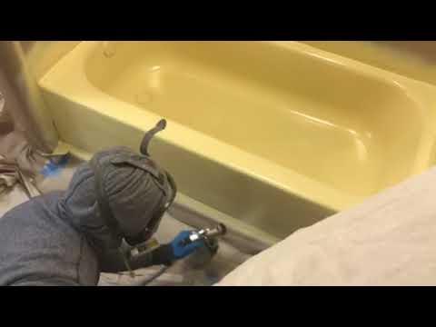 Derrick spraying yellow