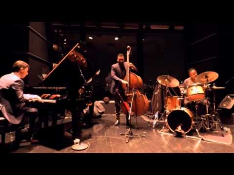 Emmet Cohen Trio: Tin Tin Deo (Live at Dizzy's, Jazz at Lincoln Center)