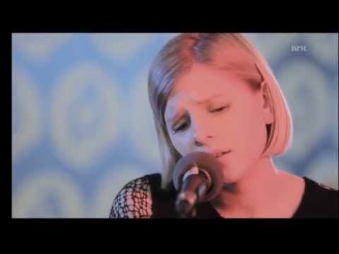 Aurora   Aksnes - Wrecking Ball
