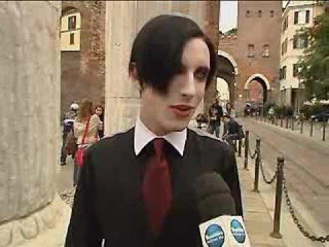 Qui Milano, Emo vs Truzzi - Repubblica tv (Mondo Emo II)