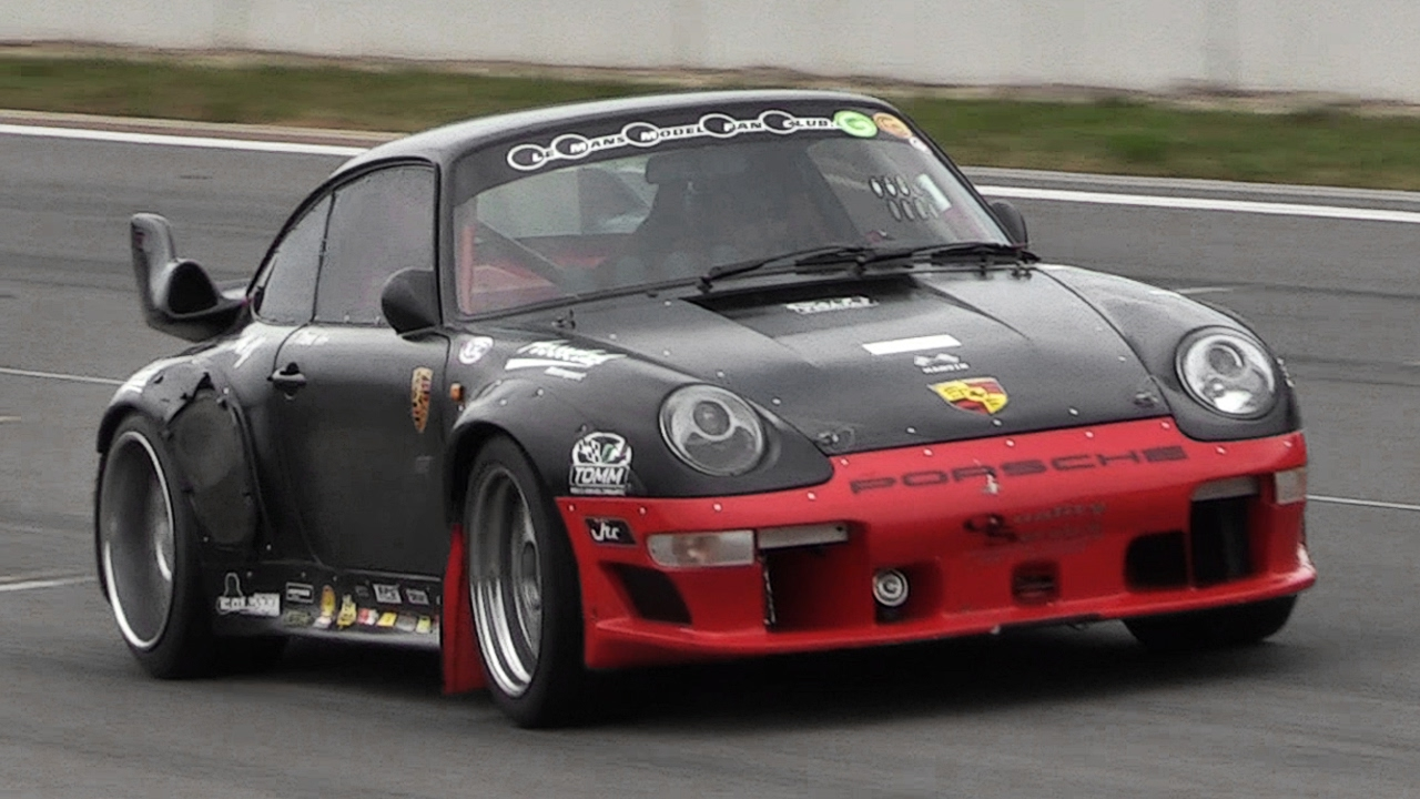 modified porsche 993 turbo w gt2 body accelerations. Black Bedroom Furniture Sets. Home Design Ideas