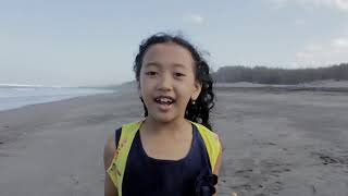 Lagu Nasional Berkibarlah Bendera Negeriku Ciptaan Gombloh cover by Hamemayu (8 tahun)