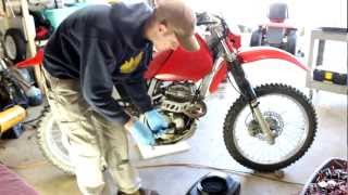 Honda XR250 Oil Change + Filter 2002 (1996-2004) How To help w/ french bulldog! shot with Canon T3i
