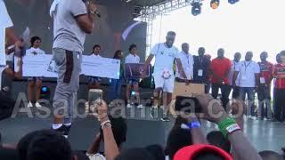 Jay-Jay Okocha charmed fans with soccer-skills @ Access Bank Lagos Marathon 2018