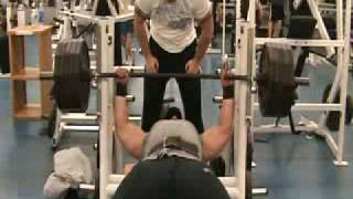 Allen Baria - Bench Press 405 lbs X 25 reps 500 lbs X 10 reps (RAW)