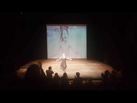 İnsan Neyle Yaşar? (Tiyatro 2000)