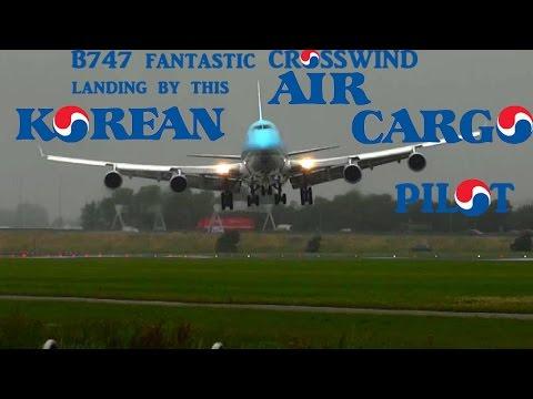 B747 fantastic CROSSWIND land from this Korean Air Cargo pilot @ AMS Schiphol