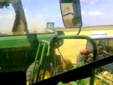 John Deere 9870 cosechando centeno