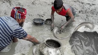 Village People catching catfish by hand   How To Catch Fish By Hand In South Asia   Mud fishing