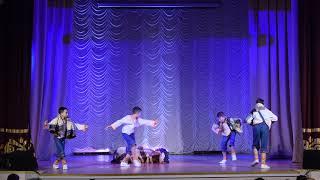 Детский танцевальный коллектив Култарики Танец с половичками
