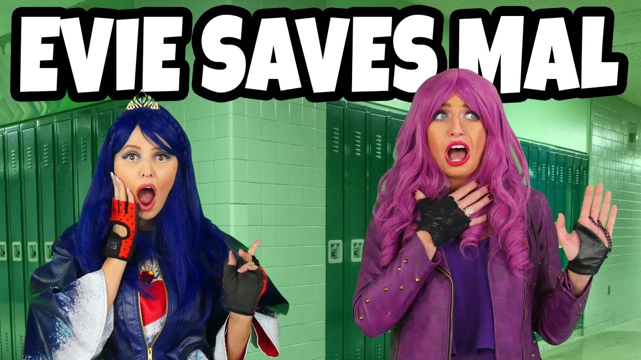 evie-saves-mal-after-she-is-kicked-out-of-auradon-part-2-totally-tv