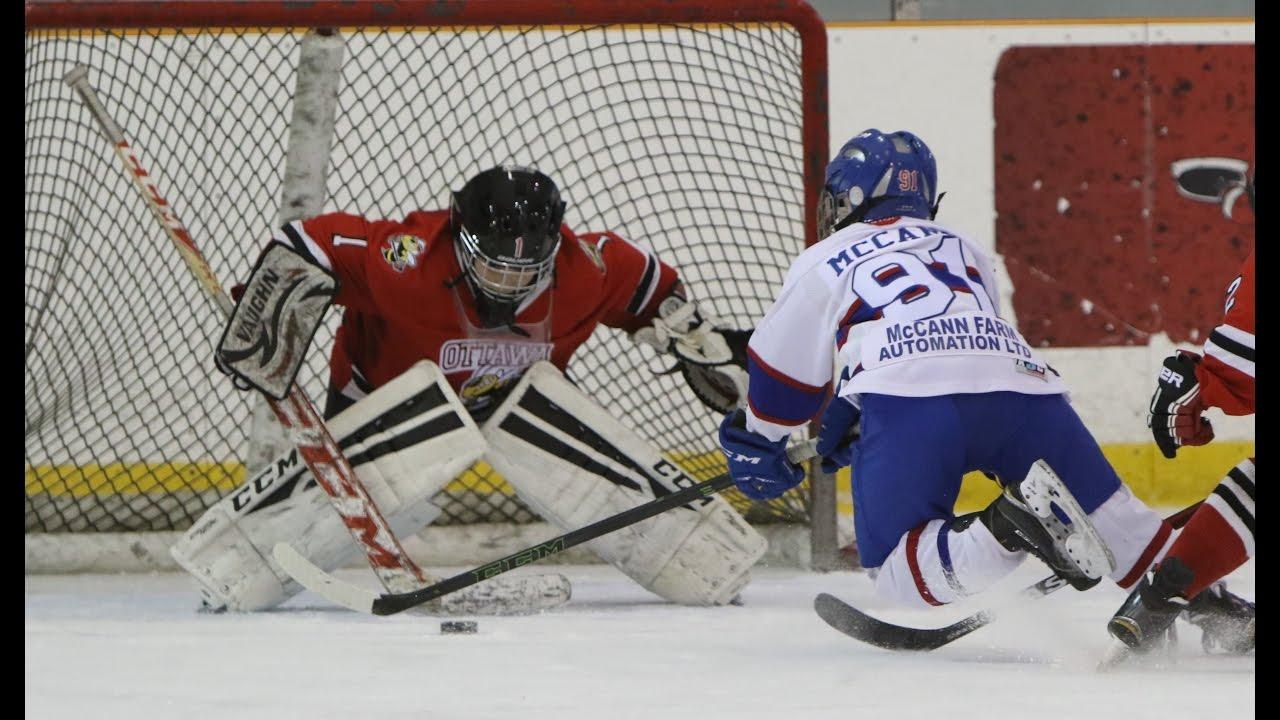 A Few Good Saves Xxvi 11 Year Old Hockey Goalie Gardien Age De