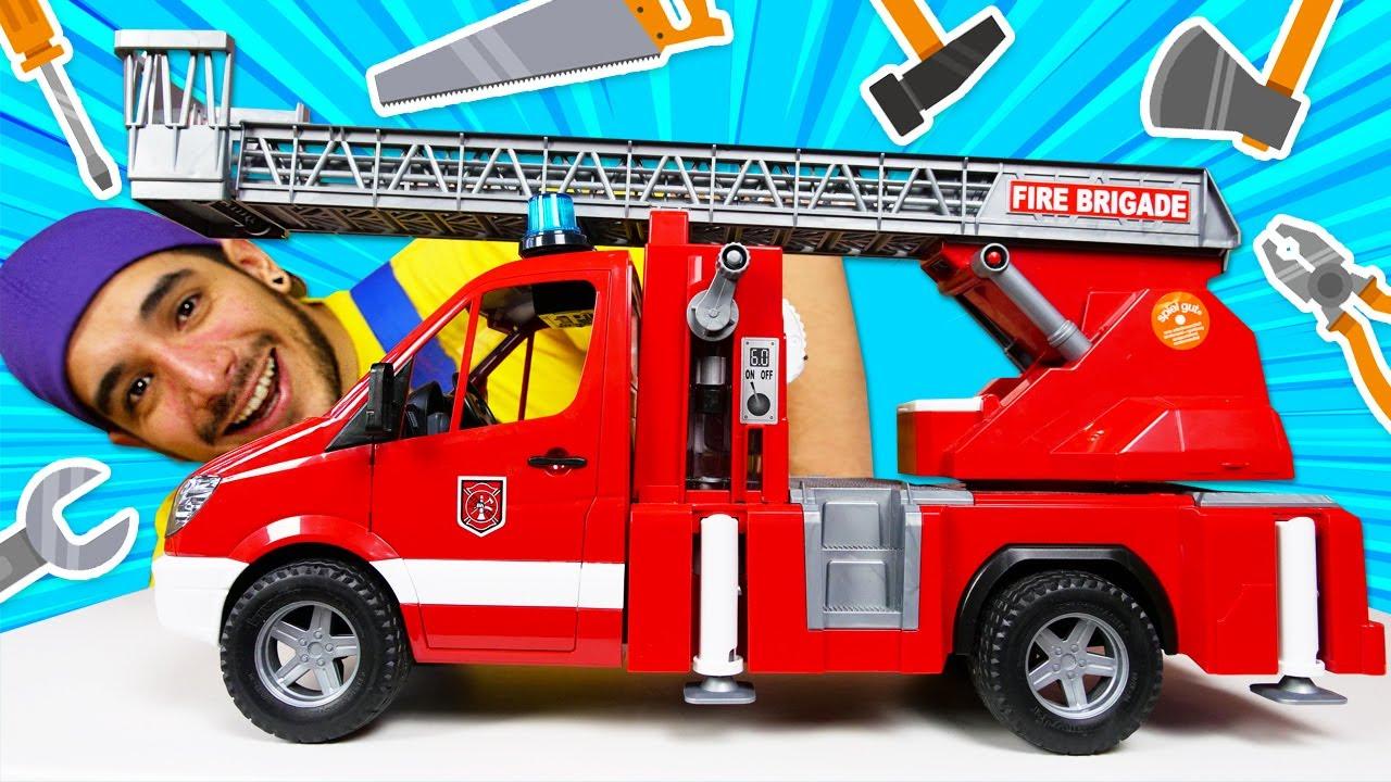 El camión de bomberos se ha roto. Camiones infantiles. Vídeos de juguetes para niños.