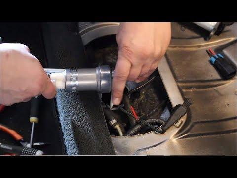 BMW e30 m52 turbo winter maintenance. S02E03 New fuel pump and bump steer fix