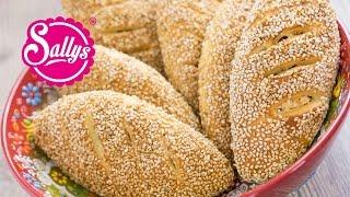 Simit Türkische Sesambrötchen mit Sucuk-Käsefullung - Peynirli Sucuklu Simit Pogaca