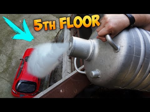 POURING 5 GALLONS OF LIQUID NITROGEN ON MY CAR FROM FIFTH FLOOR!!! en streaming
