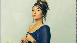 Lauren Daigle promotes Female god & still can't say