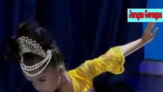 Aksi lincah Duet Jaipongan Sandrina dan si anak Kecil Refina MP3