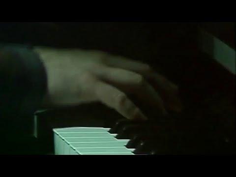 Enzo Jannacci - La disperazione della pietà ( Live @RSI 1986)