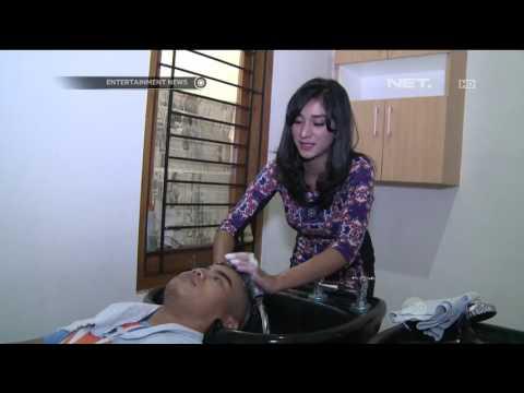 Buka Salon, Fanny Ghassani Turun Tangan Tangani Customer thumbnail