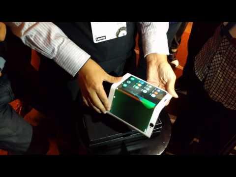 Folio flexibilný tablet naživo | Lenovo TechWorld 2016