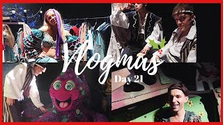 ASKING THE CAST WHAT THEIR FAVOURITE MUSICALS ARE | VLOGMAS DAY 21 | Georgie Ashford