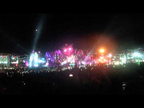 EDC LV 2015 Calvin Harris - We Found Love (In A Hopeless Place)