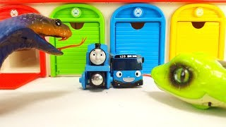 Iron Man, Tayo Small Bus Garage Toy, Sneak and Cobra Monster Thomas Cars Chuggington Story
