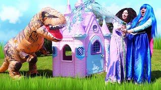 Прикольные видео. Принцессы ДИСНЕЯ - Как прогнать ДИНОЗАВРА? – Игры одевалки для девочек