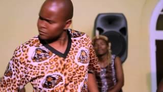 Shabalala Rhythm ft  Oliver Mtukudzi - Siyana naye
