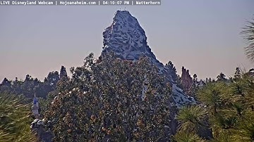 Mattercam - LIVE DISNEYLAND Webcam from Howard Johnson Hotel Anaheim