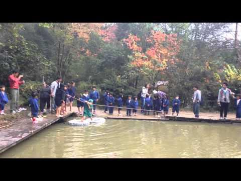 忍者が水の上を歩く「水蜘蛛」本当は浮き輪みたいにして水の中を歩く道具だった