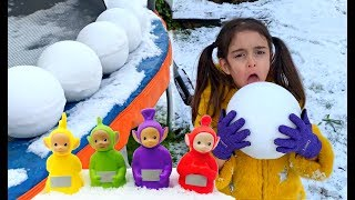 Emily Opening Snowball Surprise