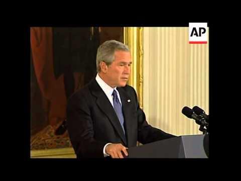 Bush gives Medal of Freedom to Greenspan, Muhammad Ali