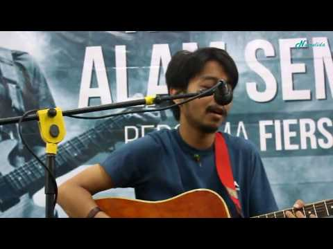 Fiersa Besari - Juara Kedua (Live at Gramedia Pandanaran, Semarang)