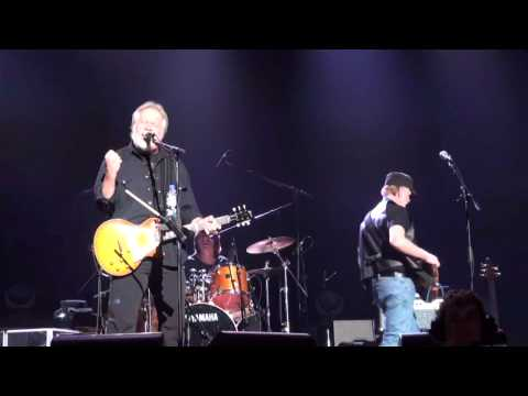 Bachman & Turner - Rock Is My Life, And This Is My Song (LIVE) - Rama, Ontario