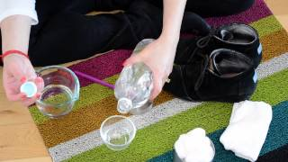 The Natural Way to Clean Salt From Suede Shoes With Vinegar : Green Living Tips