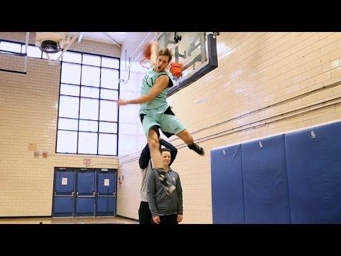"""Jordan Kilganon, 6'1"""" professional dunker from Sudbury, Ontario"""