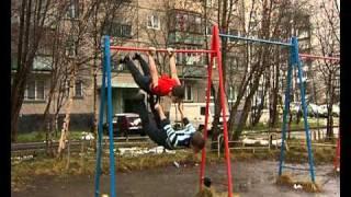Репортаж тв21 о турникменах города Мурманск(Их называют уличными гимнастами. Они же себя величают не иначе как турникменами. Так кто же они на самом деле?, 2010-10-14T14:32:04.000Z)