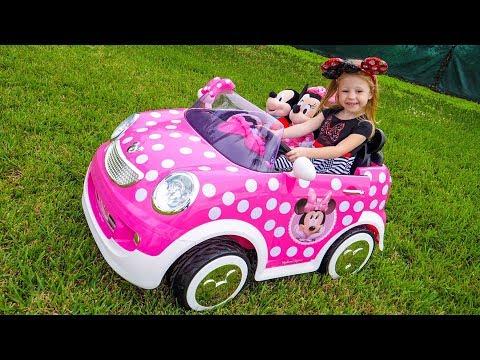 видео: Настя и новые игрушки от Микки и Минни маус Видео для детей про игрушки