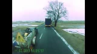 Miota nim jak szatan 2, Wypadek Mercedes 190, Poślizg