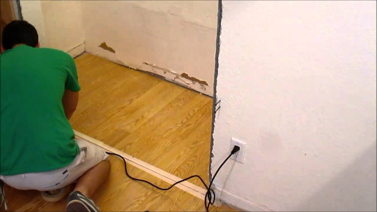 Diy Removing A Section Of Laminate Flooring With A Multi