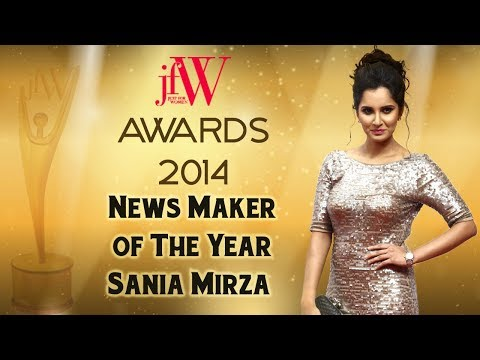 Sania Mirza plays tennis with Trisha | JFW Awards 2014 | JFW Magazine