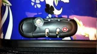 Repeat youtube video Set a TSA combination lock.mov