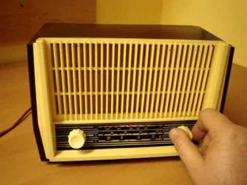 old radio figaro